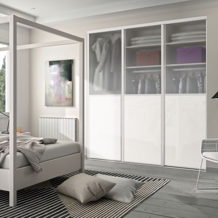 fa ade de placard coulissante 3 portes miroir argent. Black Bedroom Furniture Sets. Home Design Ideas